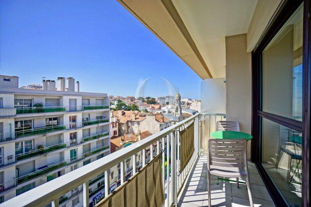 location-vacances-biarritz-appartement-type-2-balcon-centre-ville-vue-toit-2021-002