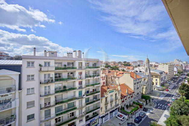 location-vacances-biarritz-appartement-type-2-balcon-centre-ville-vue-toit-2021-004
