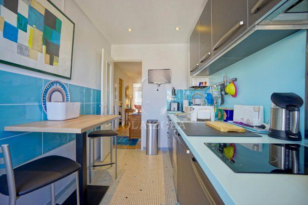 location-vacances-biarritz-appartement-type-2-balcon-centre-ville-vue-toit-2021-013