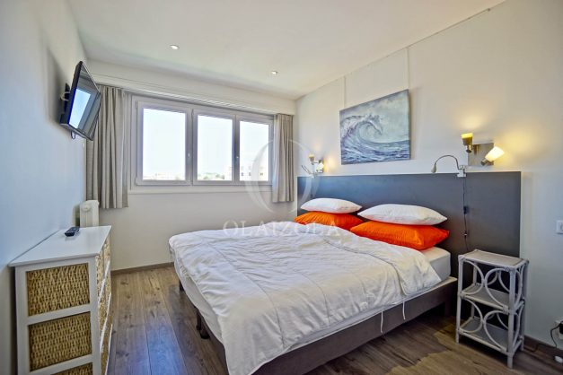 location-vacances-biarritz-appartement-type-2-balcon-centre-ville-vue-toit-2021-015