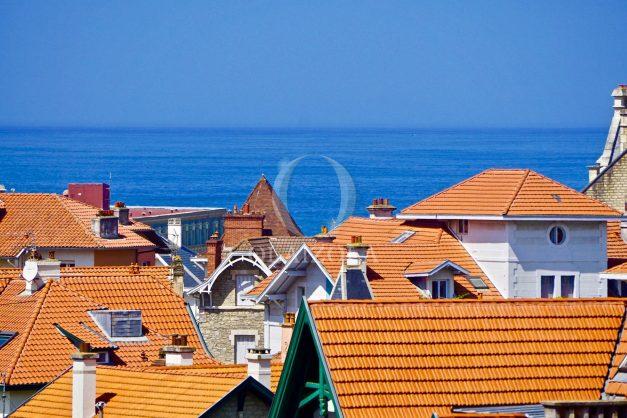location-vacances-biarritz-appartement-type-2-balcon-centre-ville-vue-toit-2021-022