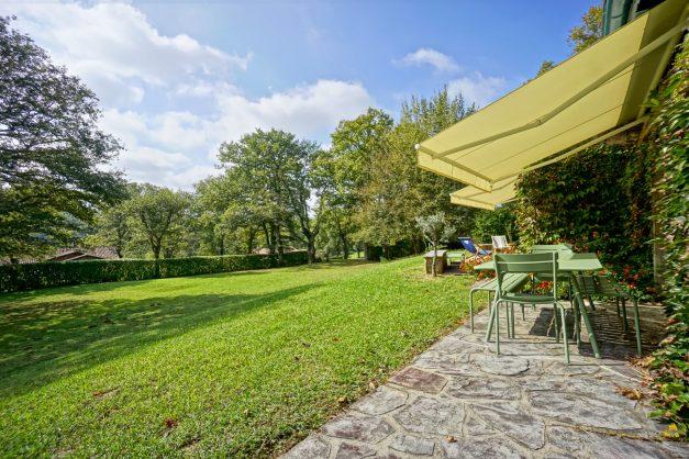 Magnifique-villa-V5-stjean-luz-8personnes-piscine-jardin-nature-004