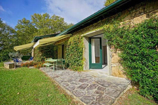 Magnifique-villa-V5-stjean-luz-8personnes-piscine-jardin-nature-005
