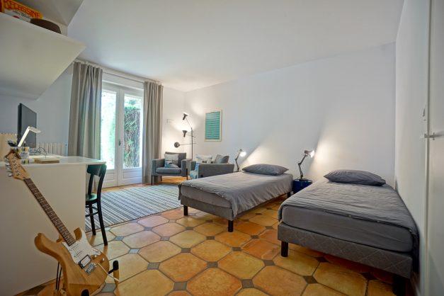 Magnifique-villa-V5-stjean-luz-8personnes-piscine-jardin-nature-018