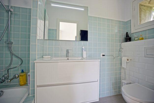 Magnifique-villa-V5-stjean-luz-8personnes-piscine-jardin-nature-040