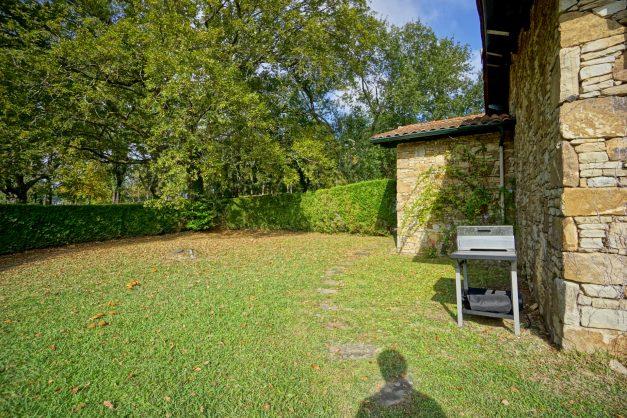Magnifique-villa-V5-stjean-luz-8personnes-piscine-jardin-nature-045
