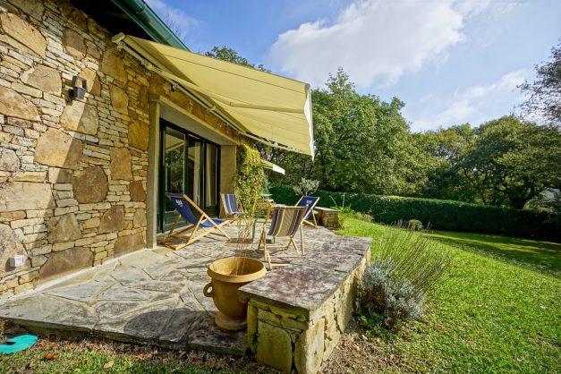Magnifique-villa-V5-stjean-luz-8personnes-piscine-jardin-nature-046