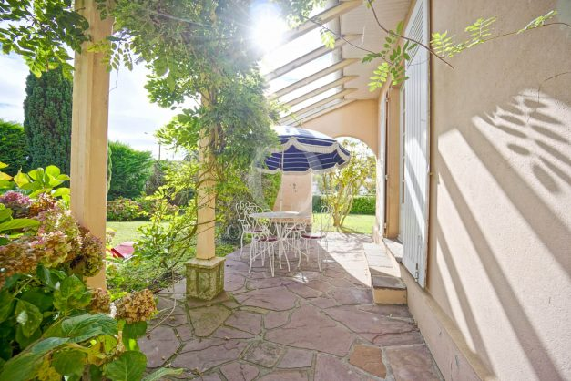 Villa-V5-Biarritz-location-grand-jardin-terrases-paisible-vacance-007