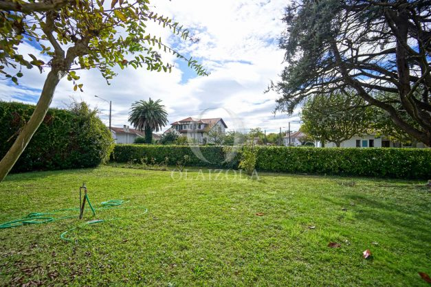 Villa-V5-Biarritz-location-grand-jardin-terrases-paisible-vacance-025