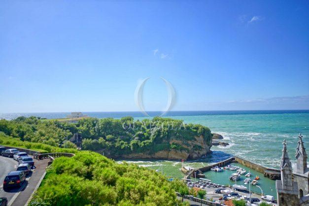location-vacances-biarritz-appartement-biarritz-loft-plateau-atalaye-biarritz-vue-mer-biarritz-parking-couvert-centre-ville-biarritz-plage-a-pied-2020-002