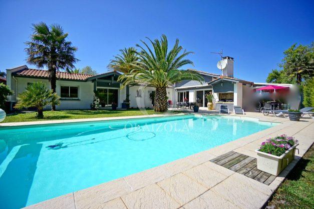 location-vacances-biarritz-villa-plain-pied-4pieces-piscine-barbeucue-jardin-spacieuse-sud-05-2021-1