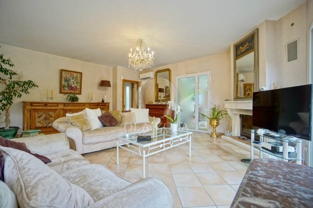 location-vacances-biarritz-villa-plain-pied-4pieces-piscine-barbeucue-jardin-spacieuse-sud-05-2021-14