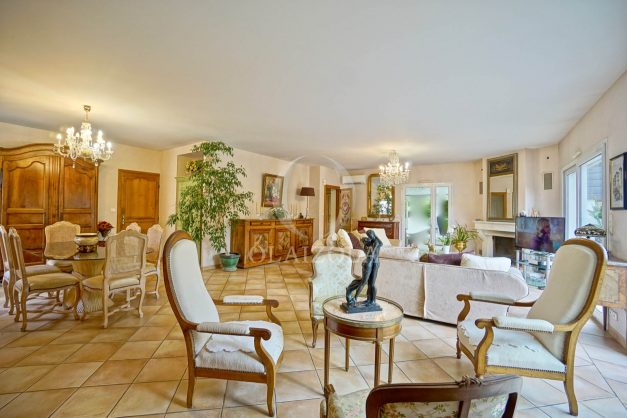 location-vacances-biarritz-villa-plain-pied-4pieces-piscine-barbeucue-jardin-spacieuse-sud-05-2021-22