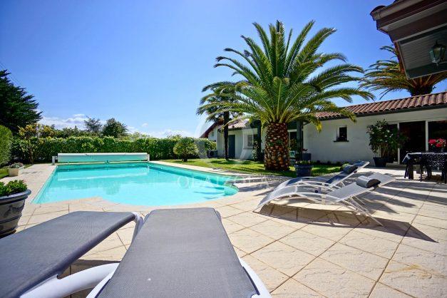 location-vacances-biarritz-villa-plain-pied-4pieces-piscine-barbeucue-jardin-spacieuse-sud-05-2021-4