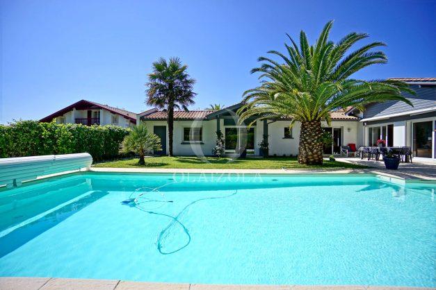 location-vacances-biarritz-villa-plain-pied-4pieces-piscine-barbeucue-jardin-spacieuse-sud-05-2021-48