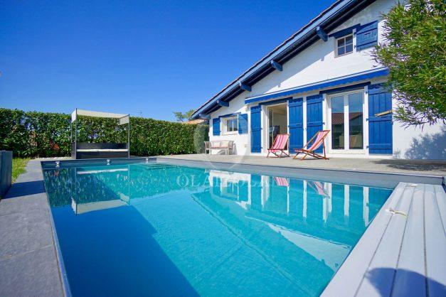 location-vacances-bidart-olaizola-maison-piscine-jardin-4-chambres- 8 personnes-centre-ville-plages-garage-001