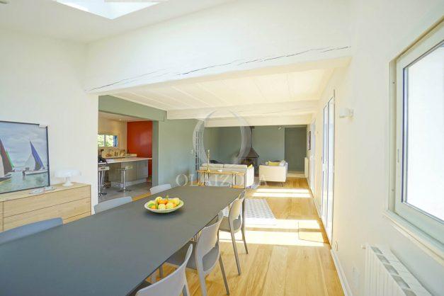 location-vacances-bidart-olaizola-maison-piscine-jardin-4-chambres- 8 personnes-centre-ville-plages-garage-017