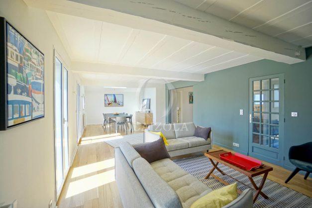 location-vacances-bidart-olaizola-maison-piscine-jardin-4-chambres- 8 personnes-centre-ville-plages-garage-019