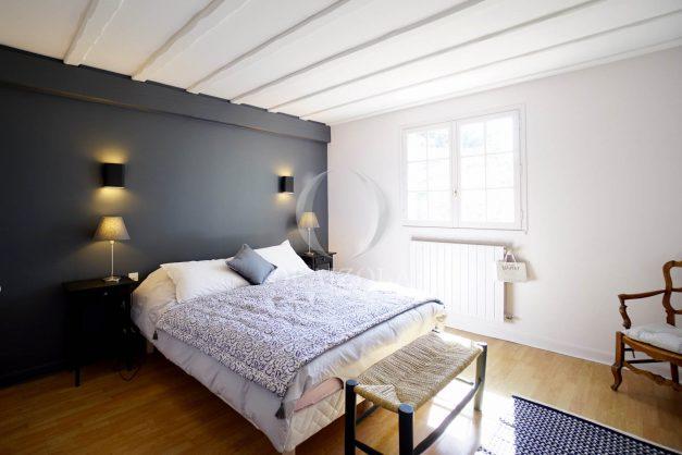 location-vacances-bidart-olaizola-maison-piscine-jardin-4-chambres- 8 personnes-centre-ville-plages-garage-025