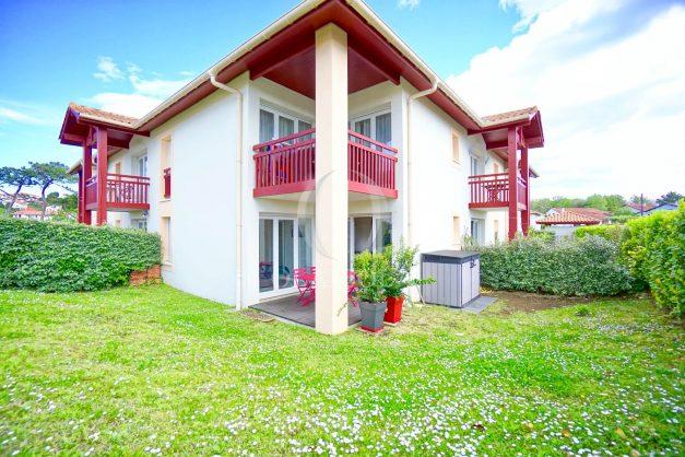 location-vacances-bidart-t-3-jardin-terrasse-piscine-proche-plage-et-village-parking-003