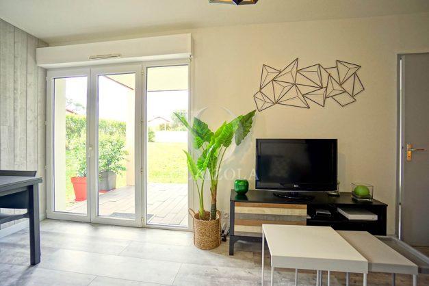 location-vacances-bidart-t-3-jardin-terrasse-piscine-proche-plage-et-village-parking-016