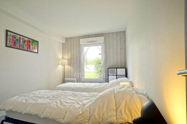 location-vacances-bidart-t-3-jardin-terrasse-piscine-proche-plage-et-village-parking-022
