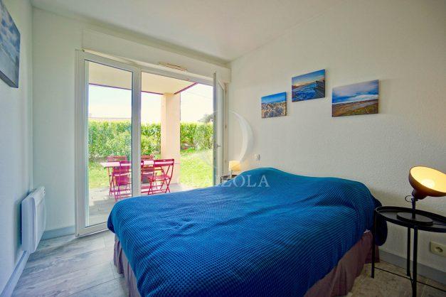 location-vacances-bidart-t-3-jardin-terrasse-piscine-proche-plage-et-village-parking-029