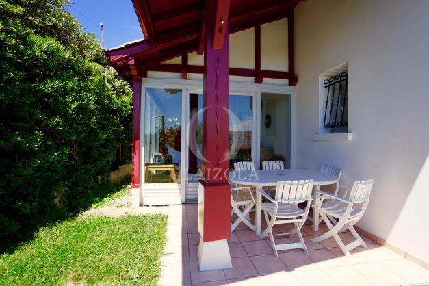 location-vacances-villa-bidart-agence -olaizola-jardin-jaccuzi-proche-plage-village-a-pied-004