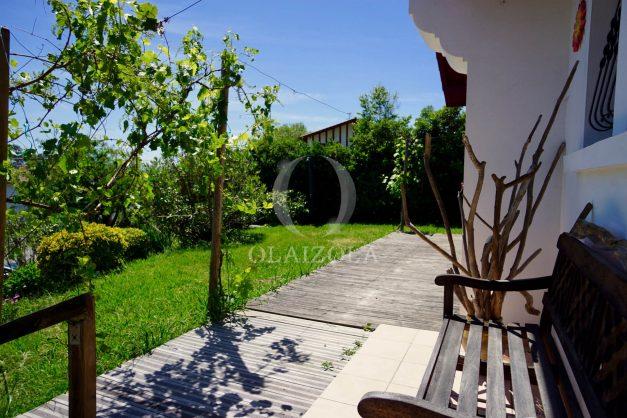 location-vacances-villa-bidart-agence -olaizola-jardin-jaccuzi-proche-plage-village-a-pied-005