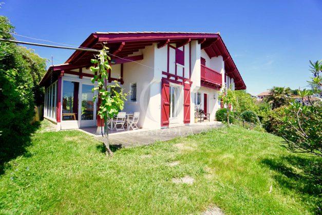 location-vacances-villa-bidart-agence -olaizola-jardin-jaccuzi-proche-plage-village-a-pied-006
