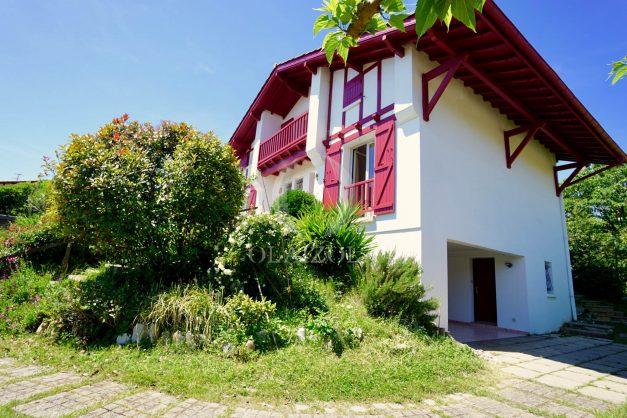 location-vacances-villa-bidart-agence -olaizola-jardin-jaccuzi-proche-plage-village-a-pied-009