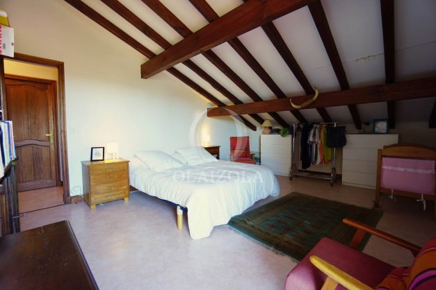 location-vacances-villa-bidart-agence -olaizola-jardin-jaccuzi-proche-plage-village-a-pied-028