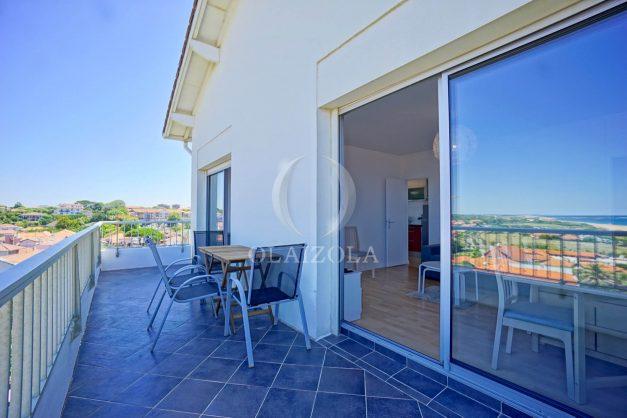 location-vacances-anglet-appartement-vue-mer-2pieces-terrasse-piscine-parking-004