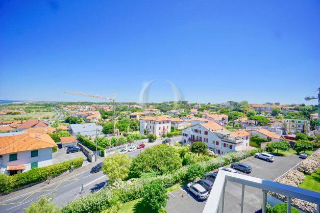 location-vacances-anglet-appartement-vue-mer-2pieces-terrasse-piscine-parking-024