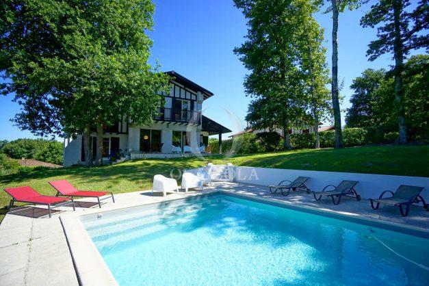 location-vacances-bassussary-villa-luxe-piscine-5-chambres-10-personnes-proche-golf-plage-biarritz-terrasses-2019-003001