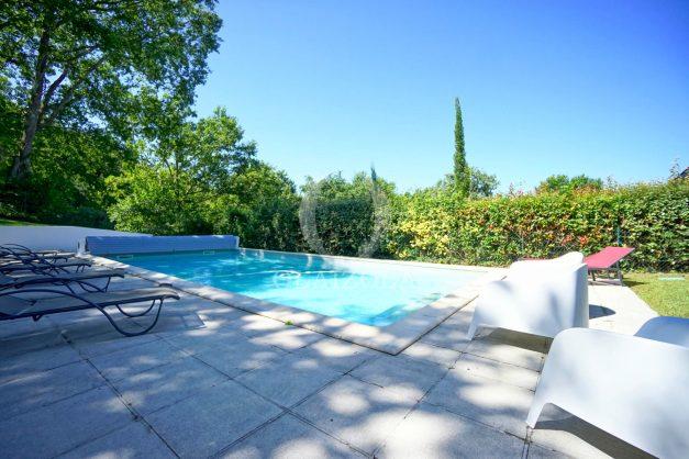location-vacances-bassussary-villa-luxe-piscine-5-chambres-10-personnes-proche-golf-plage-biarritz-terrasses-2019-003010