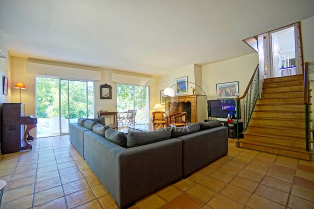 location-vacances-bassussary-villa-luxe-piscine-5-chambres-10-personnes-proche-golf-plage-biarritz-terrasses-2019-003018