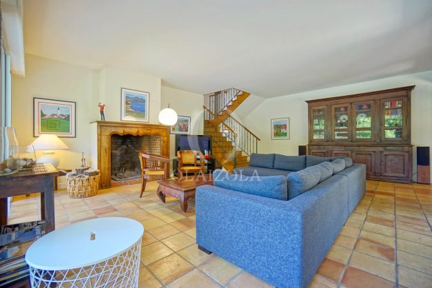 location-vacances-bassussary-villa-luxe-piscine-5-chambres-10-personnes-proche-golf-plage-biarritz-terrasses-2019-003020