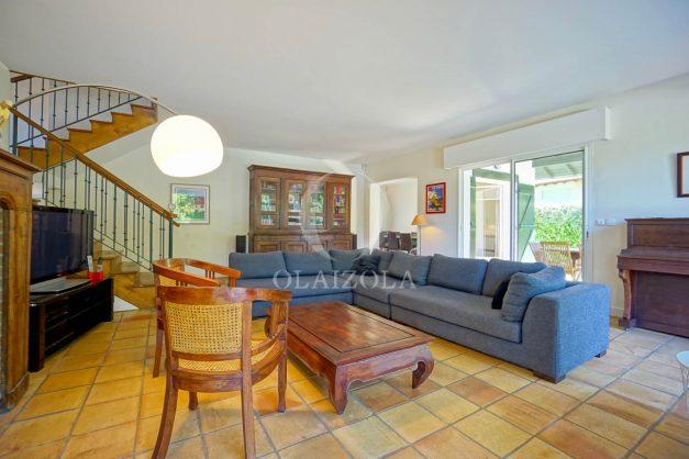 location-vacances-bassussary-villa-luxe-piscine-5-chambres-10-personnes-proche-golf-plage-biarritz-terrasses-2019-003022