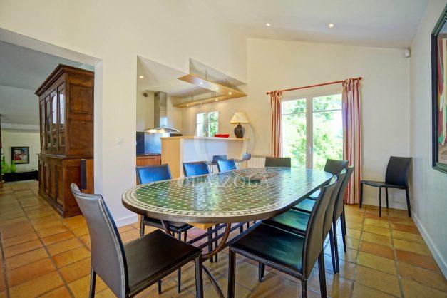 location-vacances-bassussary-villa-luxe-piscine-5-chambres-10-personnes-proche-golf-plage-biarritz-terrasses-2019-003026