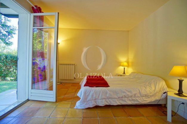 location-vacances-bassussary-villa-luxe-piscine-5-chambres-10-personnes-proche-golf-plage-biarritz-terrasses-2019-003031