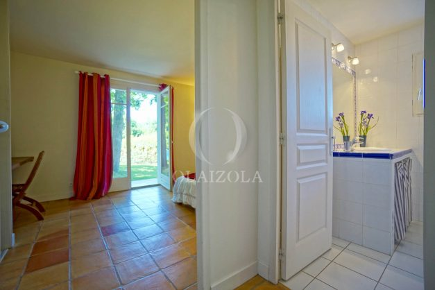 location-vacances-bassussary-villa-luxe-piscine-5-chambres-10-personnes-proche-golf-plage-biarritz-terrasses-2019-003032