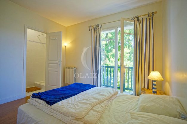 location-vacances-bassussary-villa-luxe-piscine-5-chambres-10-personnes-proche-golf-plage-biarritz-terrasses-2019-003042