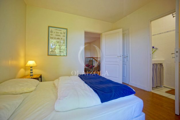 location-vacances-bassussary-villa-luxe-piscine-5-chambres-10-personnes-proche-golf-plage-biarritz-terrasses-2019-003043
