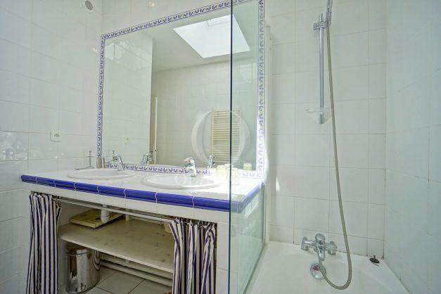 location-vacances-bassussary-villa-luxe-piscine-5-chambres-10-personnes-proche-golf-plage-biarritz-terrasses-2019-003051