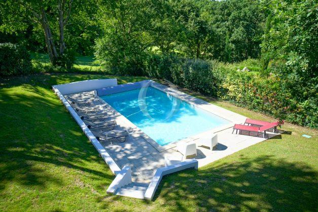 location-vacances-bassussary-villa-luxe-piscine-5-chambres-10-personnes-proche-golf-plage-biarritz-terrasses-2019-003053