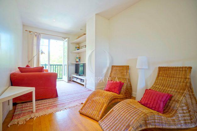 location-vacances-bassussary-villa-luxe-piscine-5-chambres-10-personnes-proche-golf-plage-biarritz-terrasses-2019-003055