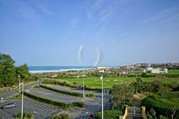 location-vacances-bidart-appartement-3pieces-vue-mer-golf-balcon-moderne-roseraie-ilbarritz-002