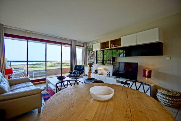 location-vacances-bidart-appartement-3pieces-vue-mer-golf-balcon-moderne-roseraie-ilbarritz-007