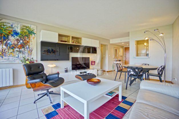 location-vacances-bidart-appartement-3pieces-vue-mer-golf-balcon-moderne-roseraie-ilbarritz-010